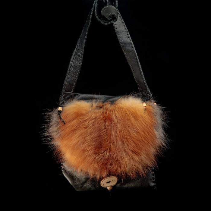 Sac à bandoulière cuir  noir et fourrure de renard roux