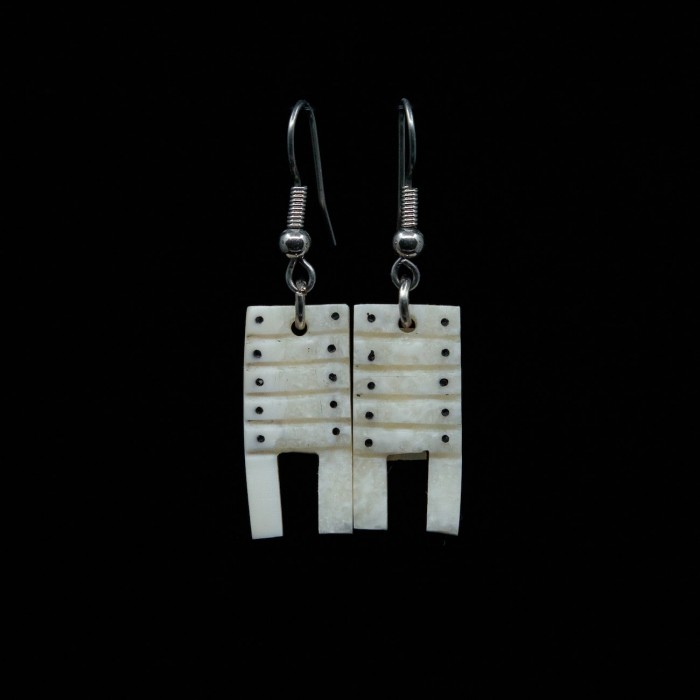 Boucles d'oreilles traîneaux en ivoire
