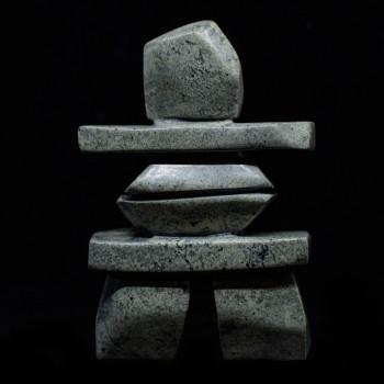Sculpture Inukshuk Gardien de la tundra